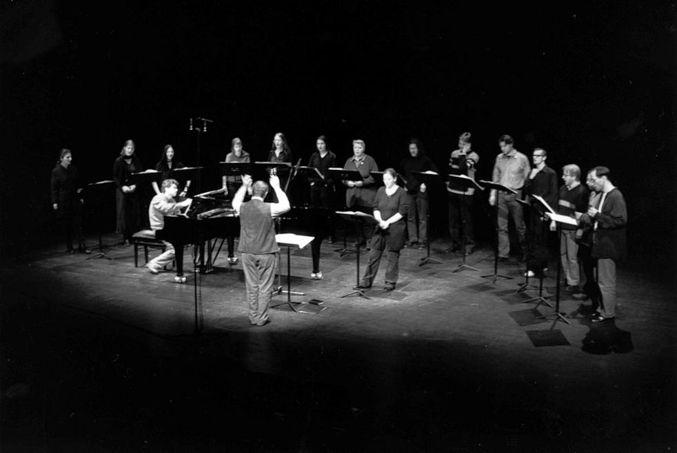 Morton Feldman - Ensemble Modern Conducted By Arturo Tamayo - For Samuel Beckett